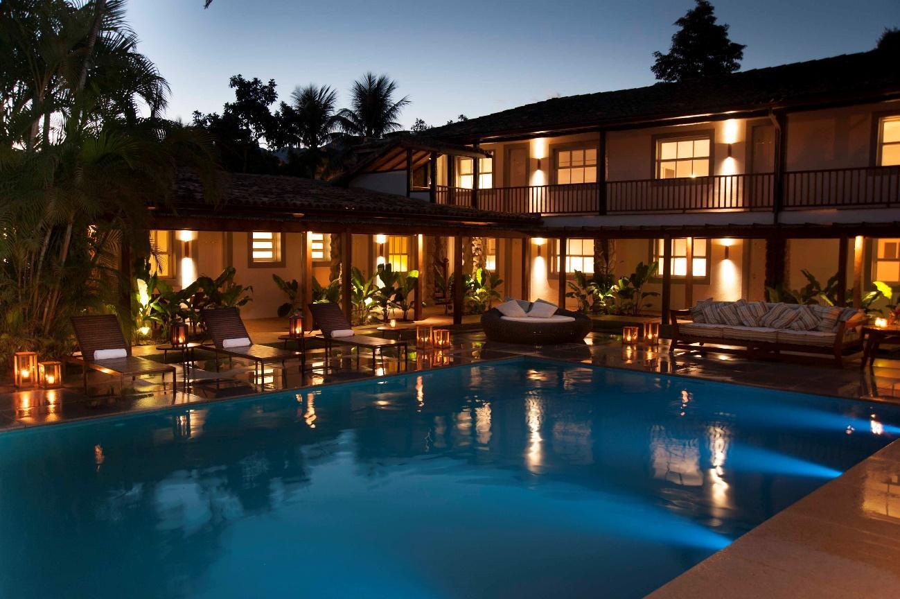 Quais são os tipos de hotéis e como são classificados?